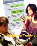 Texting the Tommo - One Direction.