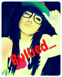 Bullied... ( Fan Fiction with Justin Bieber)