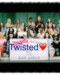 Twisted❤️ ~5 Seconda of Summer Fanfic~
