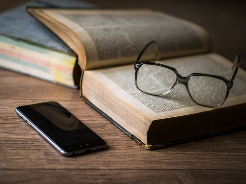 Top 7 Iphone apps for book lovers
