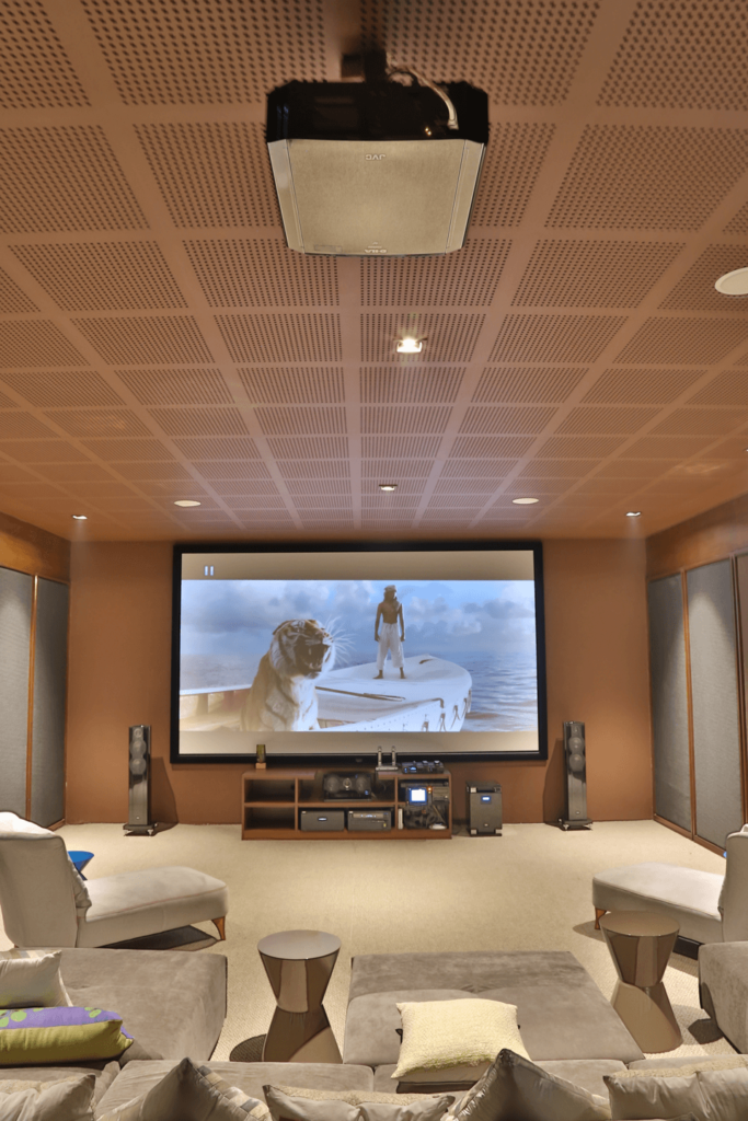 How to choose an Ideal Home Theatre For Your Home?