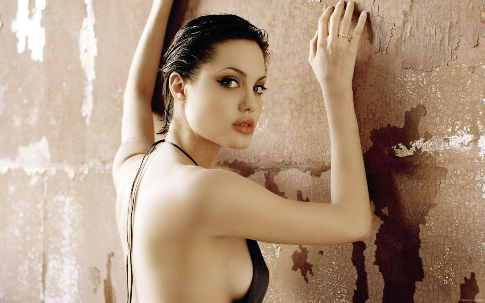 cover-Angelina-Jolie-36.jpg